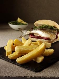 farm-frites-ultimate-chip-mackerel-burger